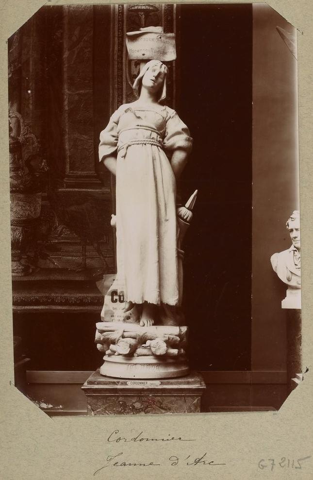 Statue de Jeanne d'Arc, par Cordonnier, Recueil. Bourgogne, environs de Paris, musées parisiens, Collectionneur Georges Sirot, 1894-1898, Gallica-BnF