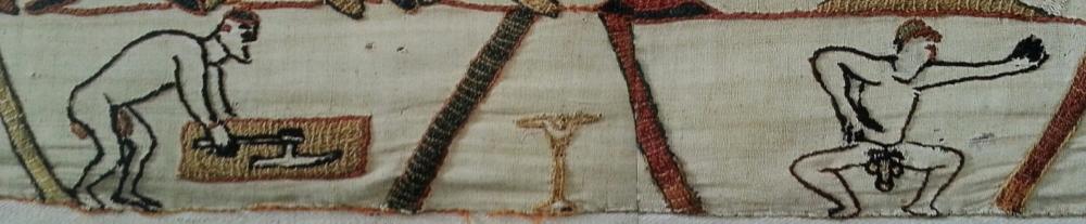 Scènes 14 et 15, bordure bas - Hommes nus. Musées de la ville de Bayeux